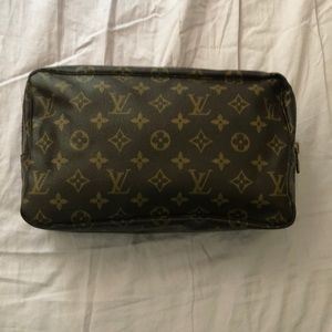 Louis Vuitton Toiletry 🎊SOLD ON ANOTHER SITE🎊